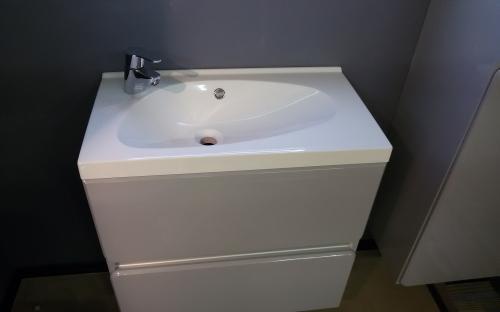 Шкафчик навесной Titania с раковиной Fancy Marble Titania