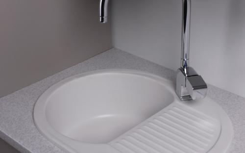 Гранитная мойка для кухни Fancy Marble Yuta 620x470x190 (Белый)